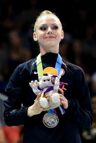 El segundo puesto en las mazas fue para la canadiense Patricia Bezzouben...
