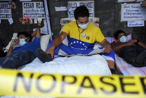 Un grupo de 14 jóvenes venezolanos, la mayoría estudiantes...