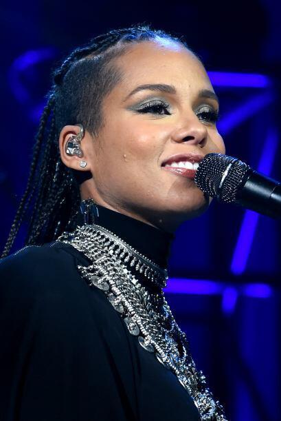 Sólo déjalas ser, tal como las luce Alicia Keys.