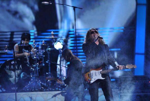 A petición de sus fans, quienes votaron en Univision.com, cantaron 'Labi...