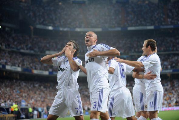 En el 2008, el Madrid le ganó 4-1 al barcelona en el Bernabéu y Raúl mar...