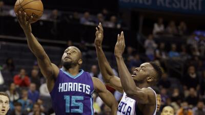 Los Hornets hundieron más a los 76s