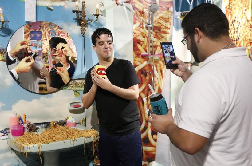 La feria Art Basel en Miami Beach cumple 15 años más camaleónica y globa...