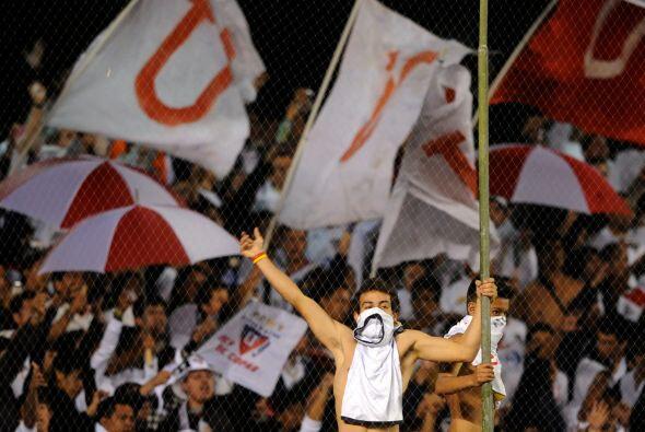 Los aficionados de Liga de Quito apoyaron a su equipo de principio a fin...