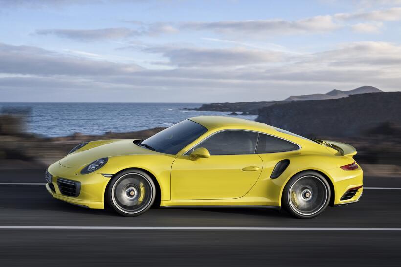 Los Porsche 911 Turbo y Turbo S esperan por Detroit P15_1253_a5_rgb.jpg