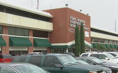 Distrito Escolar de Fort Worth busca soluciones para la sobrepoblación e...