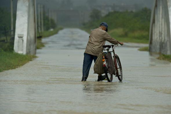 La tormenta tropical Paula se degradó este viernes a depresi&oacu...