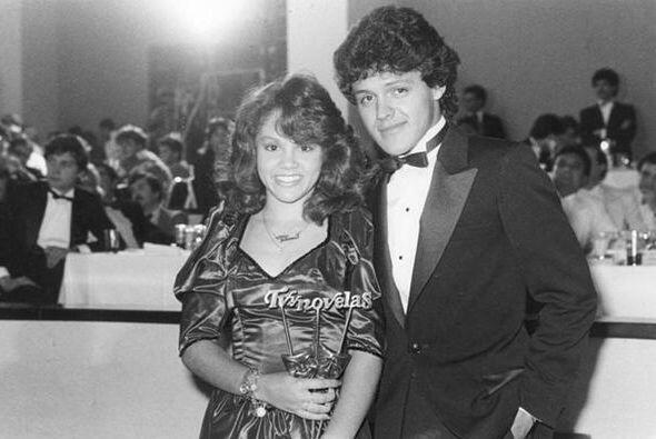 Pedro siguió con su carrera musical mientras se desarrollaba como actor.