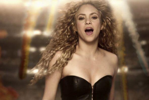 Pero Shakira no se iría con las manos vacías.Mira aqu&iacu...