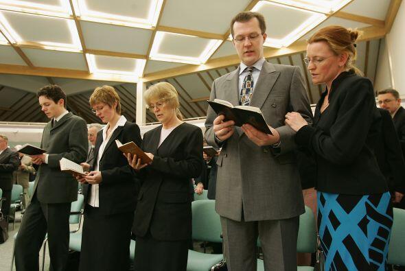 Los testigos de Jehová no creen en la Trinidad ni en el infierno y centr...