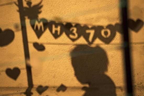 """En el evento, al que algunos nombraron """"Love U MH370"""", no podían faltar..."""
