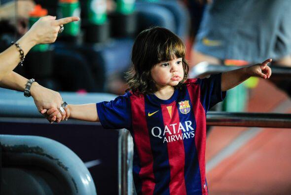 Milan quería entrar a jugar con su papi.