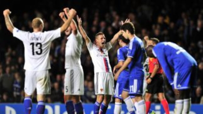 Vaya sorpresa que los suizos concretaron en Stamford Bridge, al grado de...