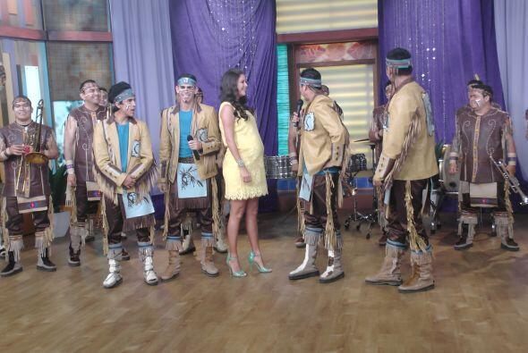 Pusieron a bailar a todo el mundo con 'Se prendió el cerro'.