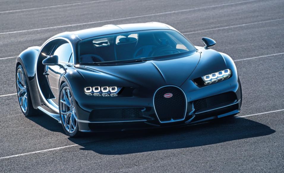 El Bugatti Chiron, reemplazante del Veyron, se convirtió en un competir...
