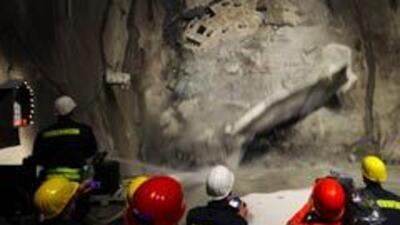 Terminó la perforación del túnel más largo del mundo bajo los Alpes suiz...