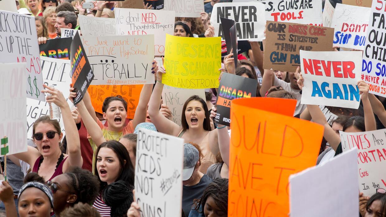 Clamor por el control de armas de los alumnos de Parkland en la capital de Florida (fotos)