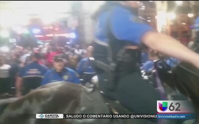 Un hombre agredido por un policía de Austin entabla una demanda
