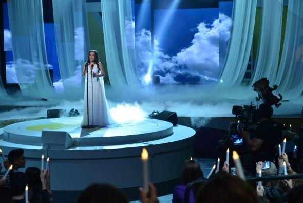 Mira los mejores momentos detrás de cámaras y en el escenario con todas...