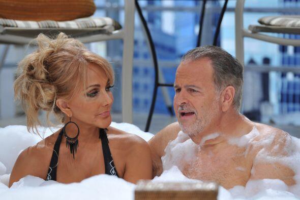 En su vida personal, Olivia dijo que volvió con su esposo, a pesar de qu...