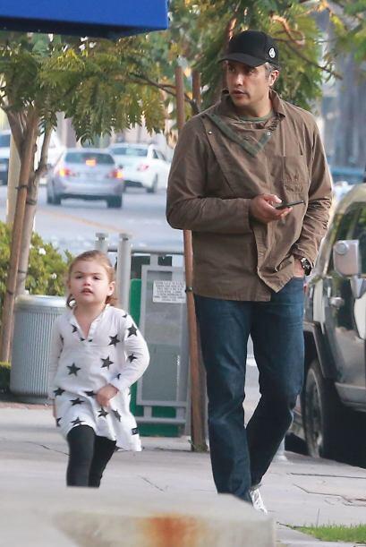 El actor latino salió a comer a West Hollywood con su familia.