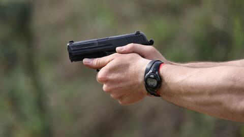 Investigan un tiroteo que dejó una persona muerta y otra herida en Newar...