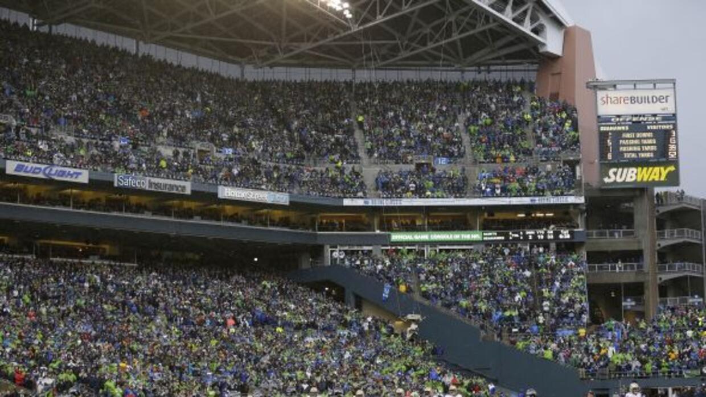 De acuerdo a Mike Glennon los fans de Seattle no descansan ni en una jug...