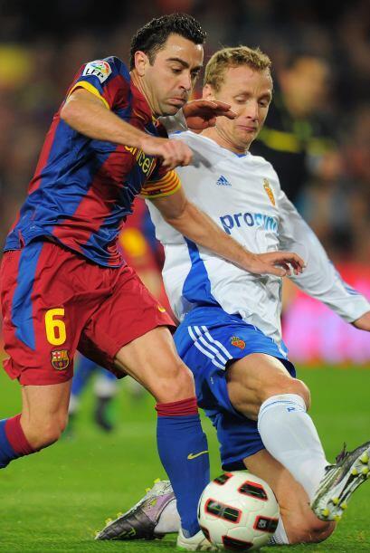 Mientras tanto, Xavi movía los hilos del Barcelona ante la marca de los...