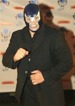 3. Blue Demon Jr. Nació el 19 de julio de 1966 en la Ciudad de México y...