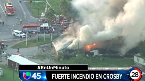 En Un Minuto Houston:Investigan las causas de un incendio que se regist...