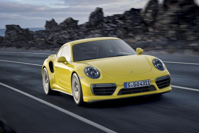 Los Porsche 911 Turbo y Turbo S esperan por Detroit P15_1252_a5_rgb.jpg