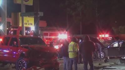 Una mujer muerta y una niña en condición crítica, el saldo de un accidente en Houston