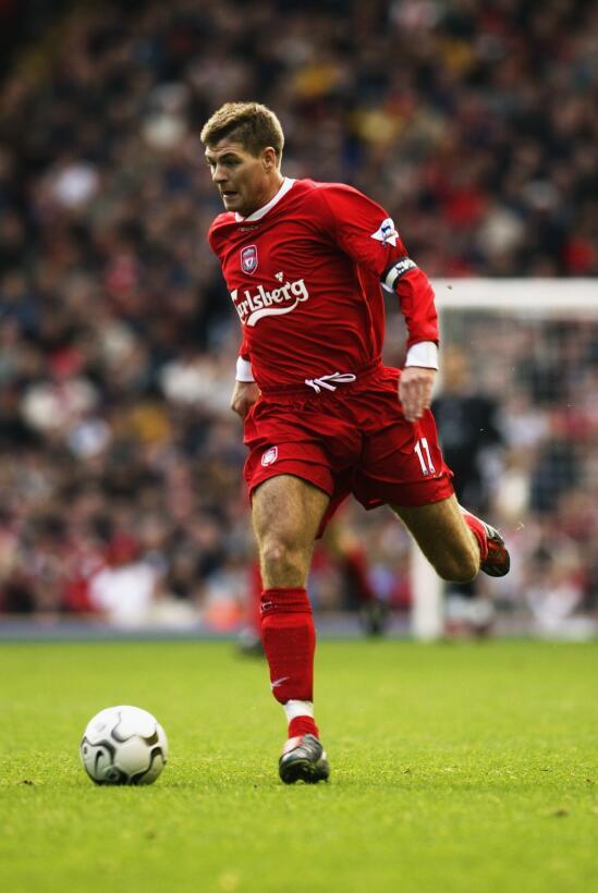 Steven Gerrard: 19 datos en 19 años de carrera ejemplar Capitán-2003.jpg
