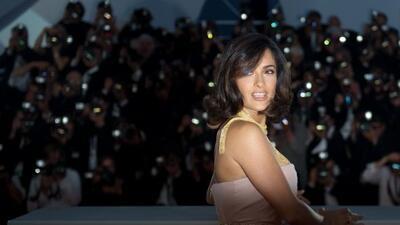 La actriz mexicana Salma Hayek figura, con el grado de caballero, en la...