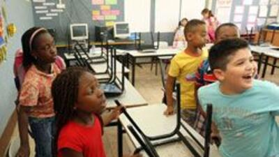 Escuelas en CA se aliaron con la Fundacion Bill & Melinda Gates para dar...