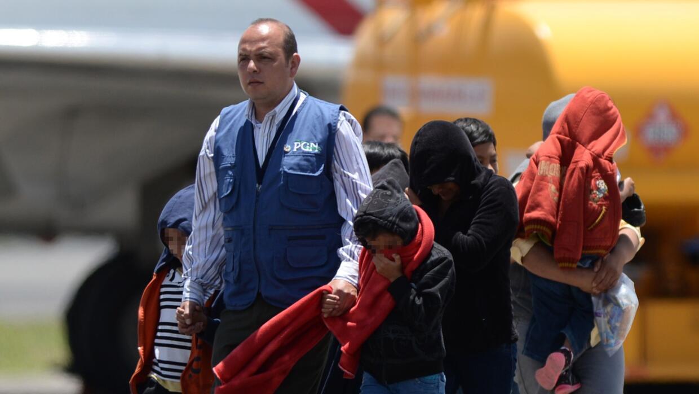 Harry Reid: Justicia para los niños en las cortes GettyImages-Deported-C...