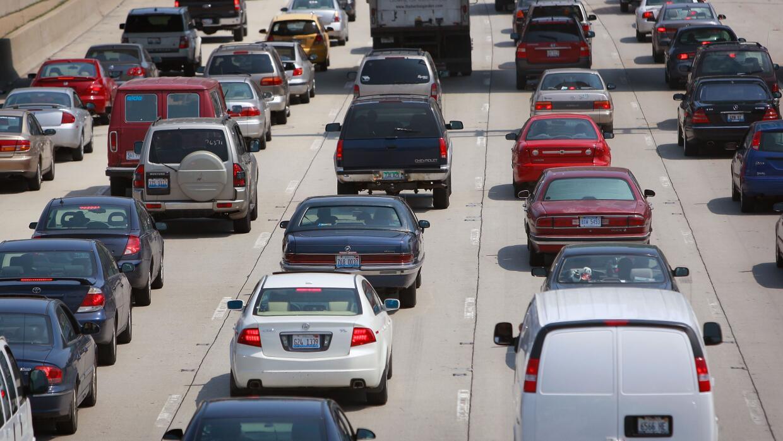 Al menos 2 millones de personas viajarán en carretera este fin de semana.