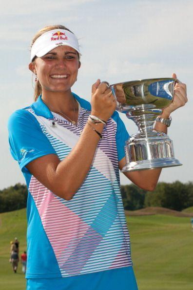 Lexi Thompson ese convirtió en la golfista más joven en ga...