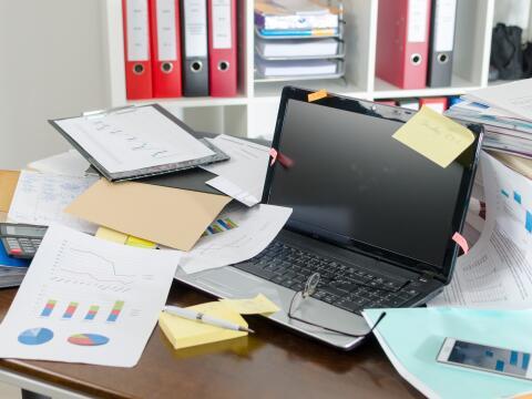 escritorio limpio y ordenado