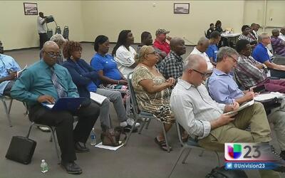 Residentes de Opa-Locka cuestionan las altas tarifas por el servicio del...