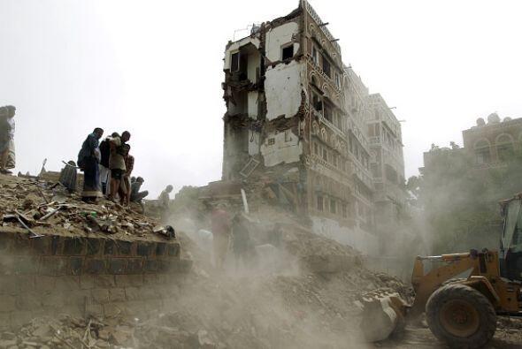 Por su parte, la Unesco condenó la destrucción de edificios históricos.