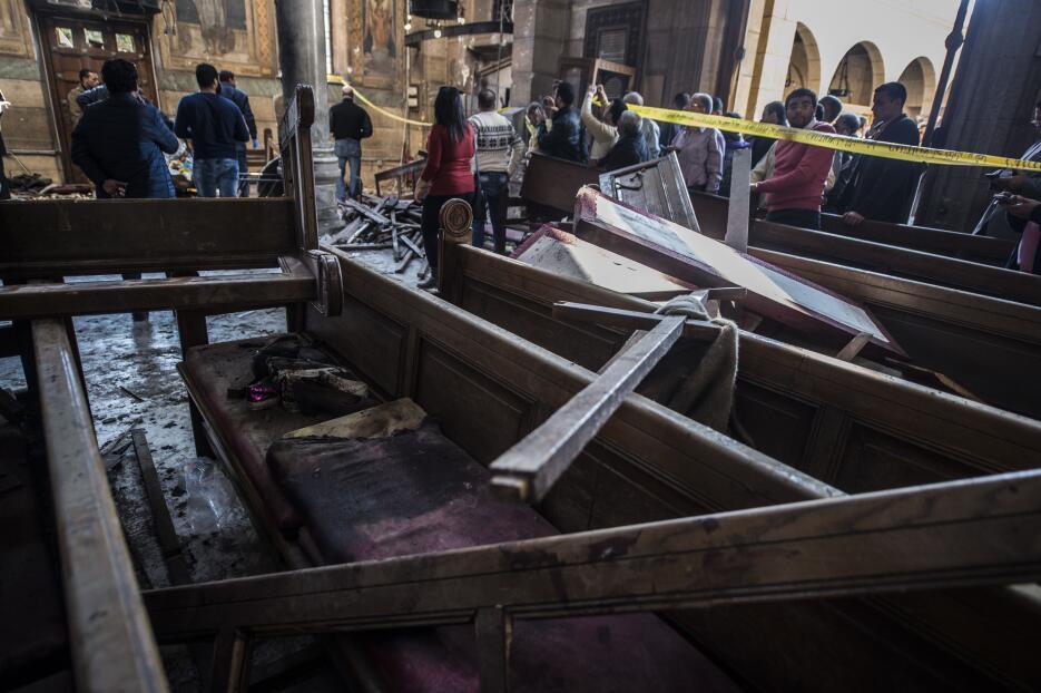 En fotos: Un ataque a la catedral cristiana copta de El Cairo deja al me...