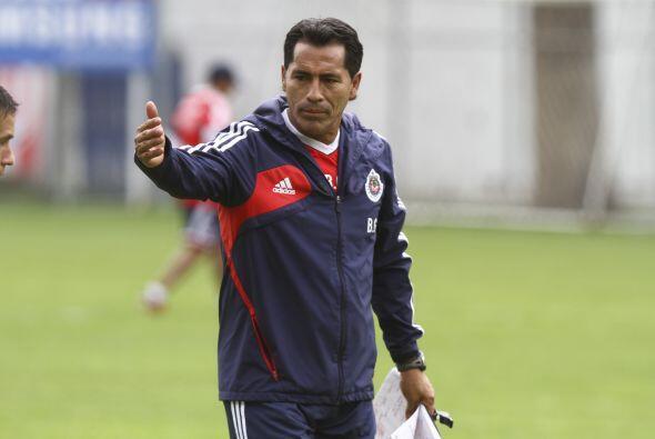 Benjamín Galindo repetiría como entrenador del rebaño, el entrenador mex...