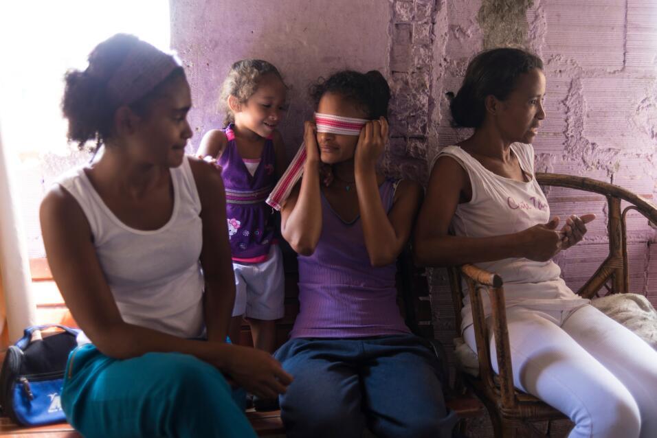 Paula vive con sus hijas y su padre enfermo en el barrio 5 de julio de P...