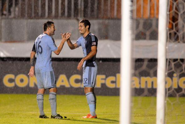 Sporting Kansas City le ganó 2 - 0 al Olimpia de Honduras en la t...