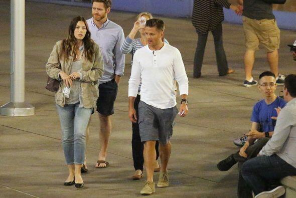 Esta vez captaron a la actriz con un misterioso hombre saliendo del cine.