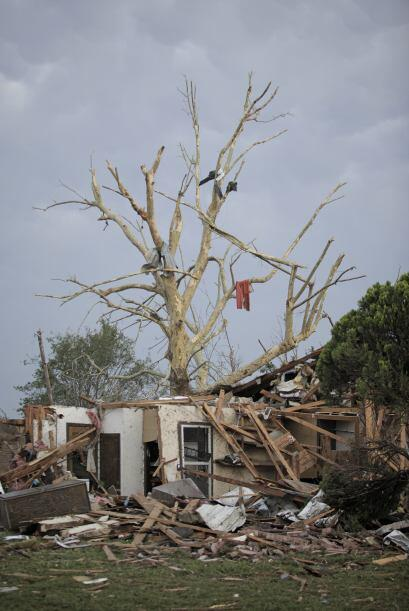 El gigantesco tornado golpeó a Oklahoma City apenas unas horas de...