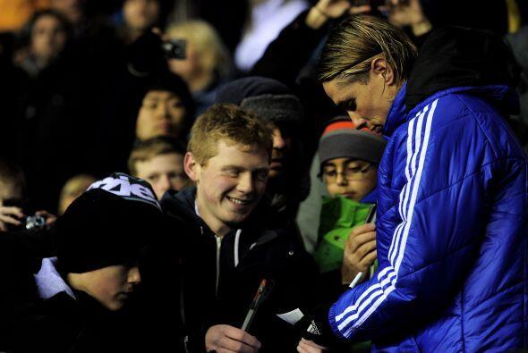Y el otro español, Fernando Torres, no juega en el Chelsea pero firma au...