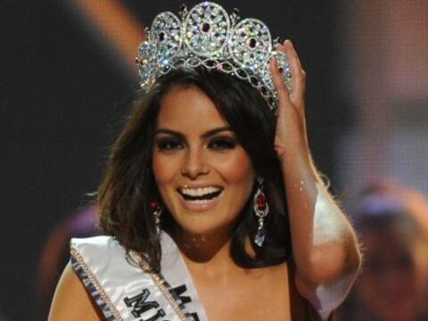 "Ximena se coronó como ""Miss Universo 2010"", siendo as&i..."