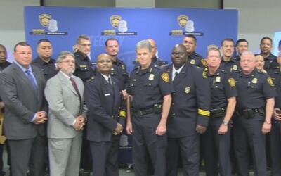 El Departamento de Policía de San Antonio fue reconocido por sus compañe...